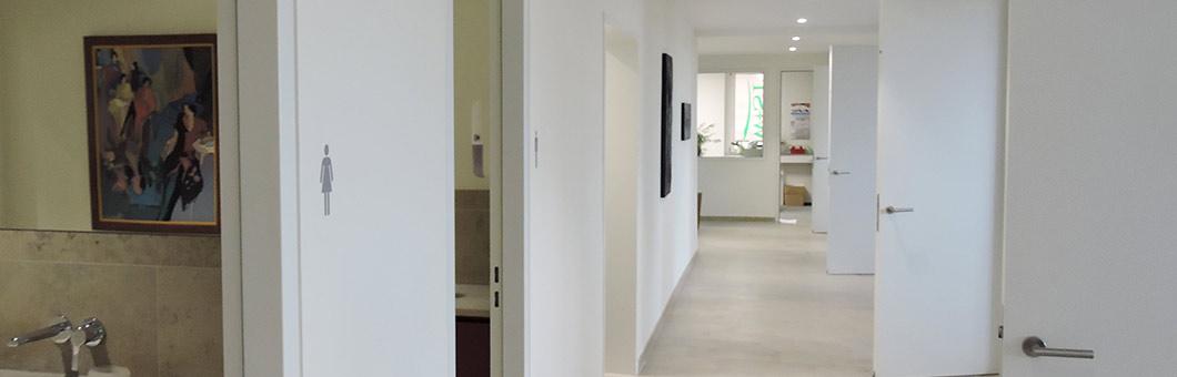 wir tapezieren auch ihre w nde und decken gugenbergers. Black Bedroom Furniture Sets. Home Design Ideas